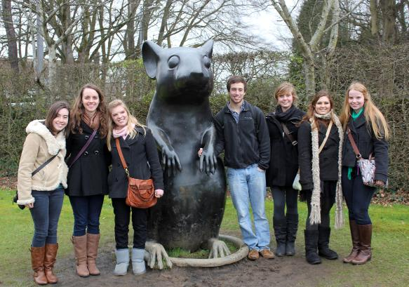Picture of former Principia students in Alloway