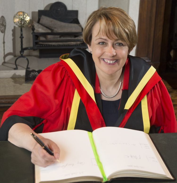 Baroness Tanni Grey-Thompson receiving honorary degree (DUniv) 29/6/15