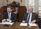 Smithsonian and University of Glasgow sign MOU