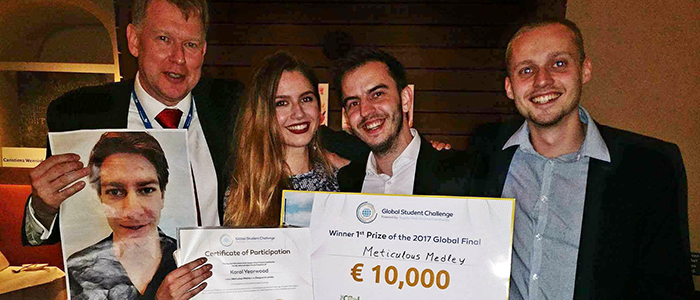 Summary, carousel and full story image.