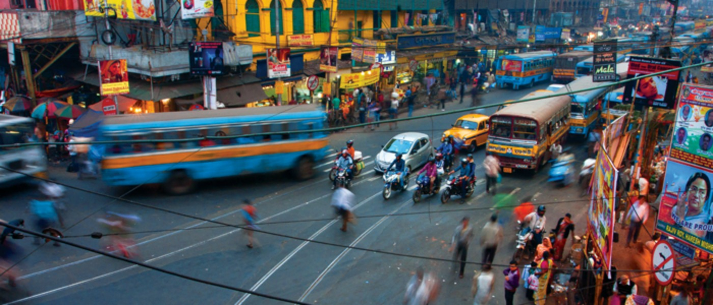 Image of a busy street in Kolkata