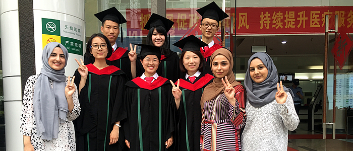 Glasgow BDS students celebrate graduation with SYSU exchange students