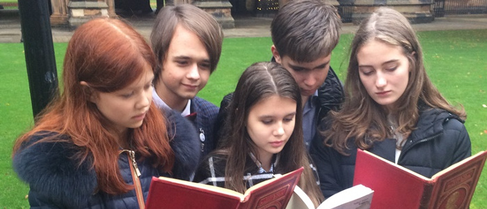 Students from St Petersburg take part in Robert Burns lectures at the University of Glasgow as part of tour to learn more about our National bard.