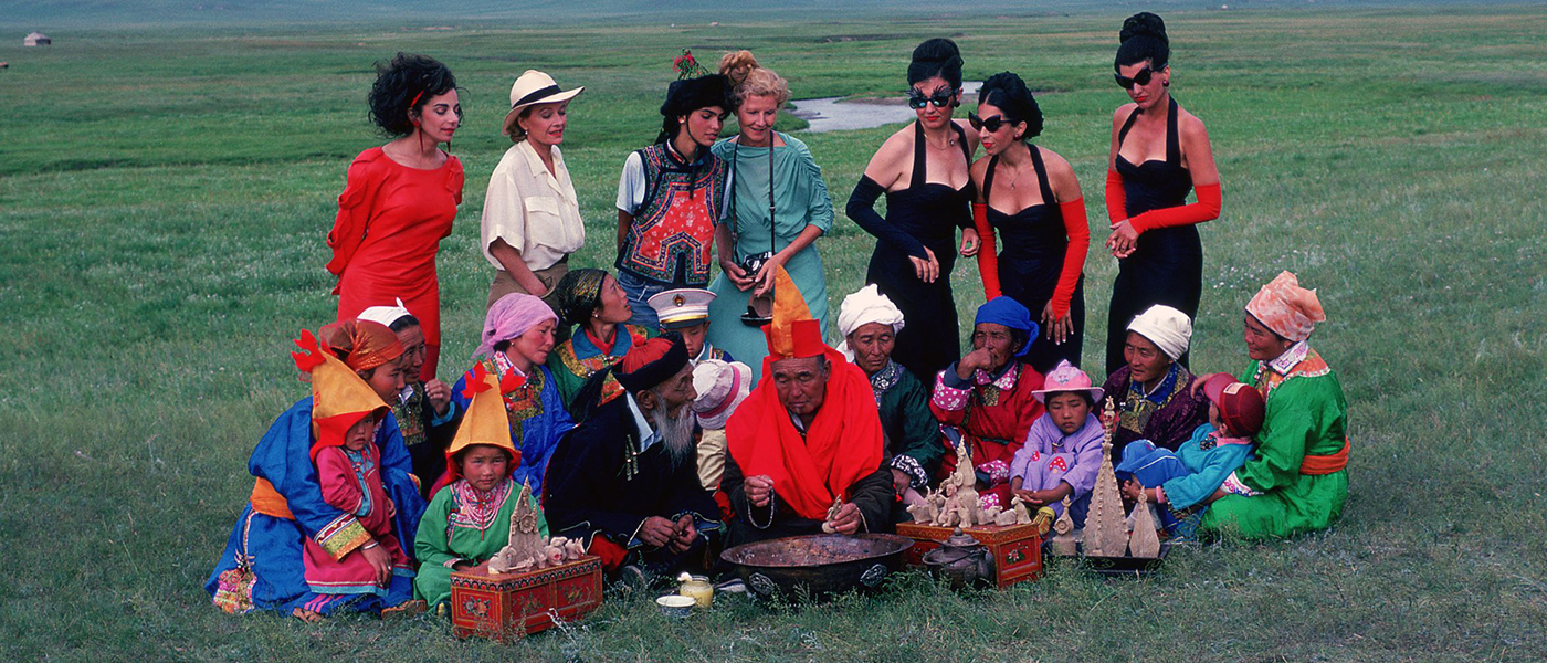 Ulrike Ottinger, Begegnung im Grasland, 1988. Colour photograph. Context: Johanna d'Arc of Mongolia, Altan Gol, Mongolia. Courtesy of the artist.