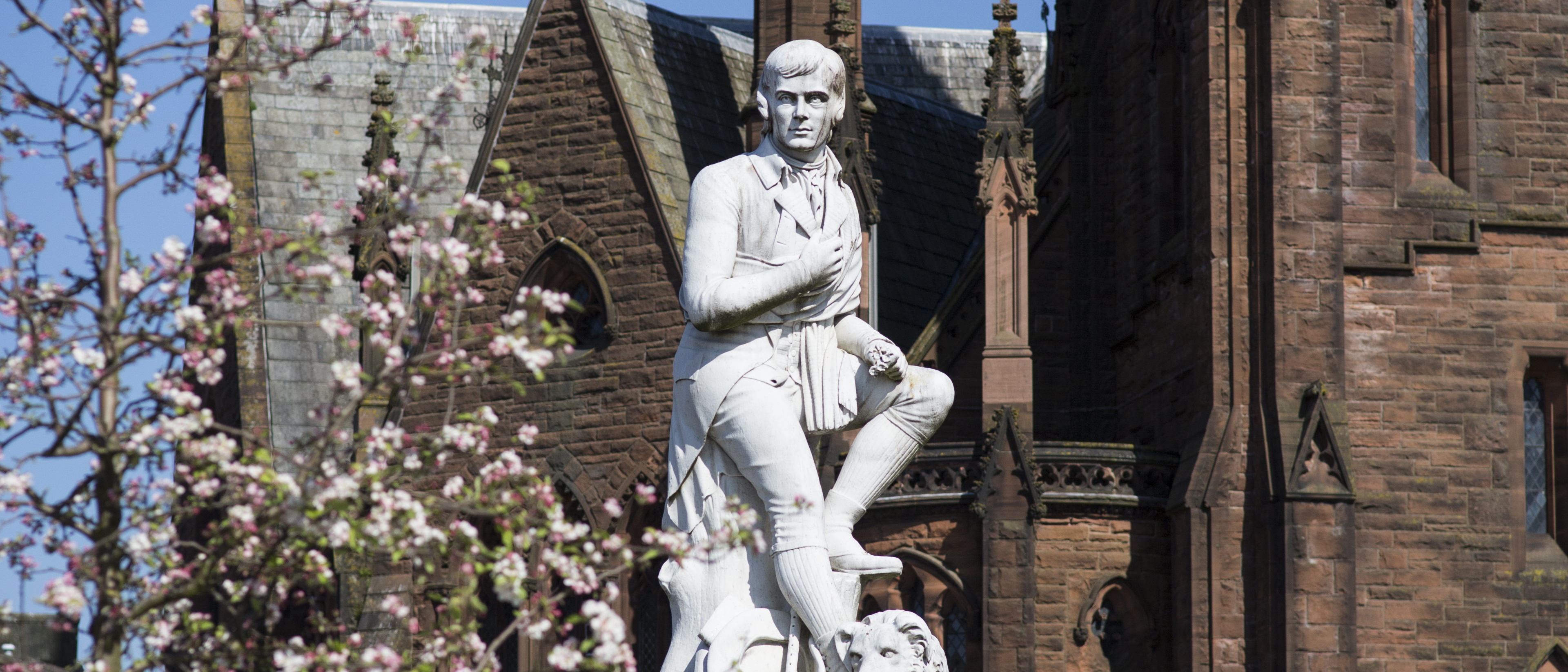 Photo of Robert Burns statue