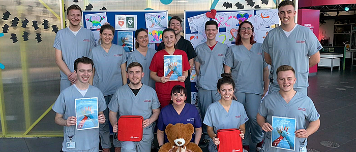 Group photograph of students from Restart a heart day