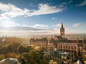 Photo of the University of Glasgow main building