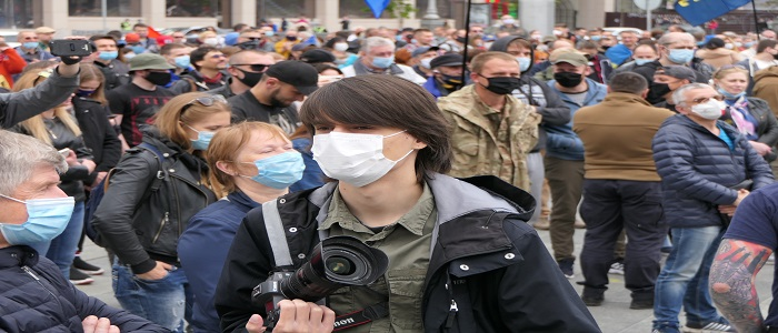 People demonstrating wearing PPE masks