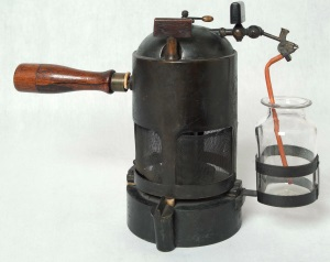 Lister's carbolic spray © Hunterian Museum and Art Gallery, University of Glasgow